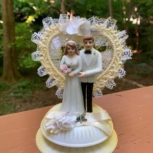 Wilton bride and groom cake topper